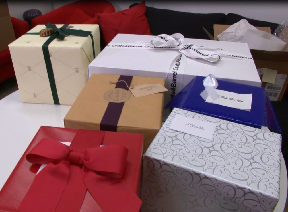Is online gift wrap worth the extra cost?