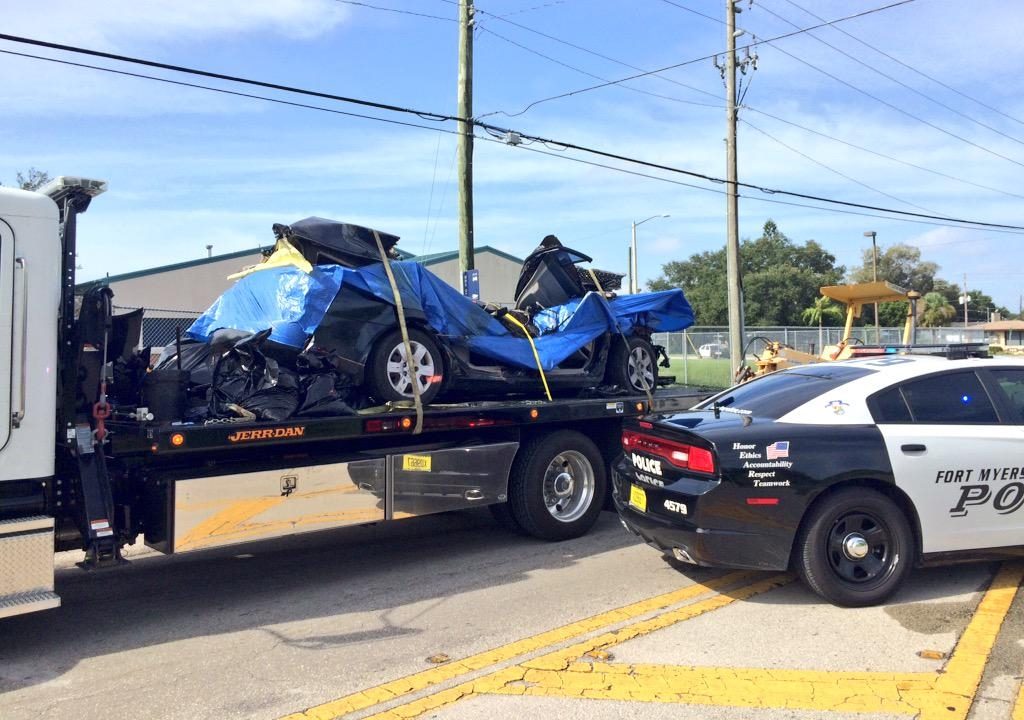 Hyundai Fort Myers >> 2 dead, 1 injured in Fort Myers crash