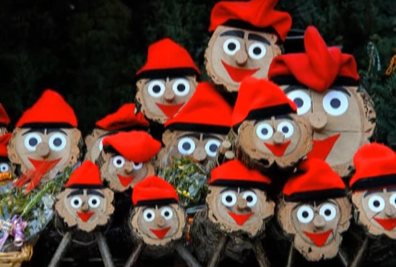 Spain Christmas Traditions.6 Strange Christmas Traditions Around The Globe