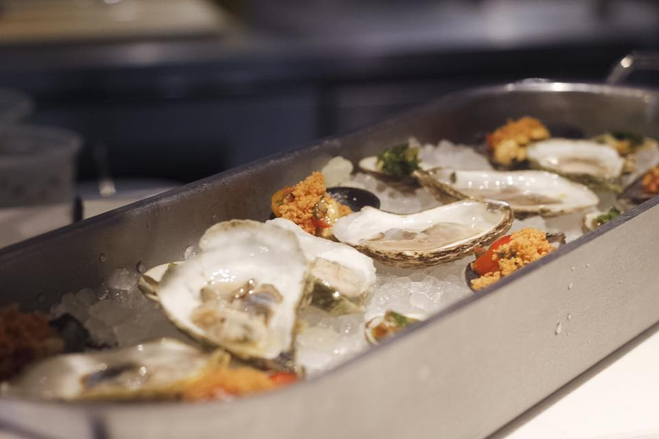 Izzy s fish oyster opening in old french connection for Izzys fish and oyster
