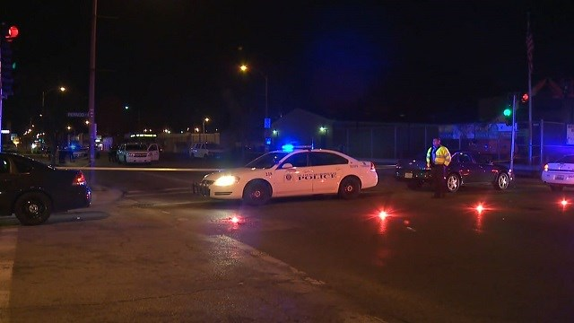 Louis police officer shot, taken to hospital