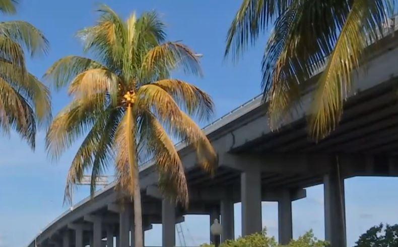 signs no help for caloosahatchee bridge closures