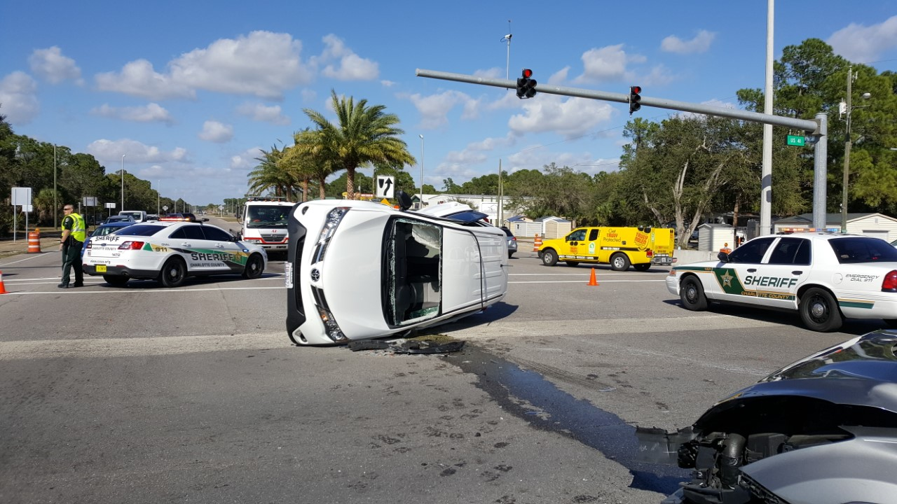 Crash Blocks Us 41 In Port Charlotte