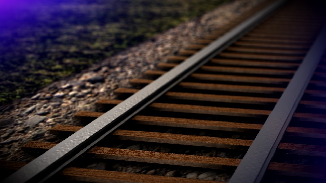 Molten sulfur leaks after train derails in Lakeland