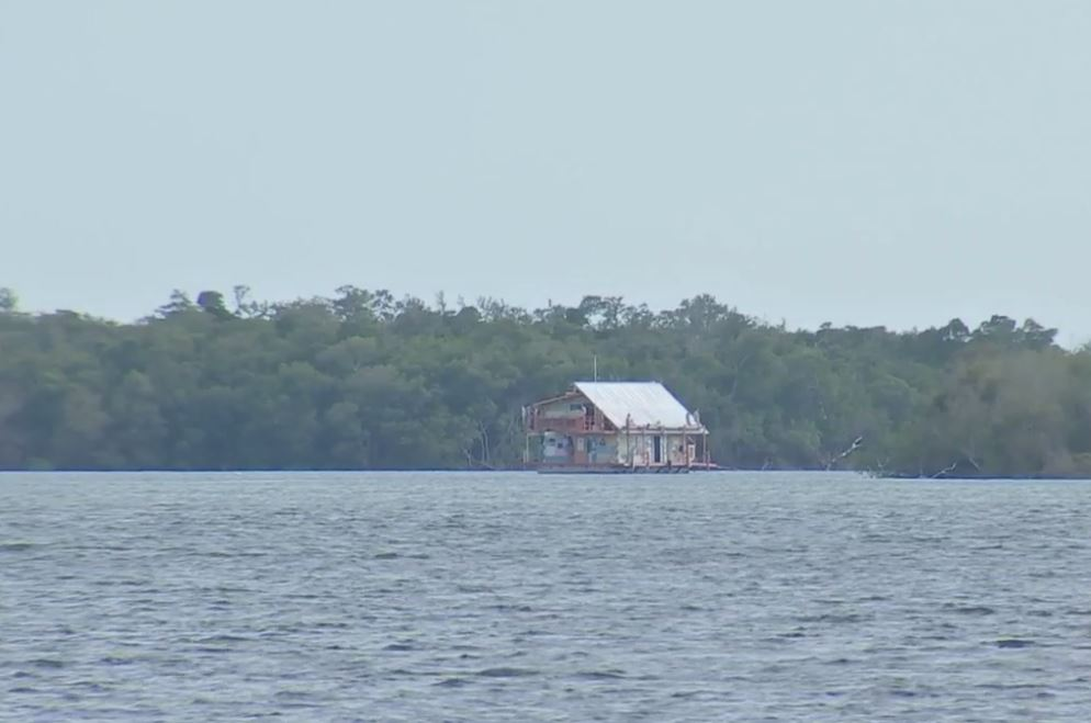 Bait shop accused of dumping human waste into caloosahatchee for Caloosahatchee river fishing