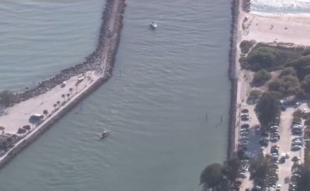 2 bodies found in van that fell in water near Venice