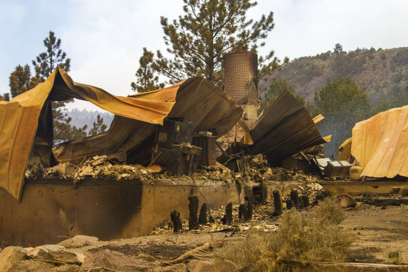Moving Manzanita Fire burns 5000 acres; 10 percent contained
