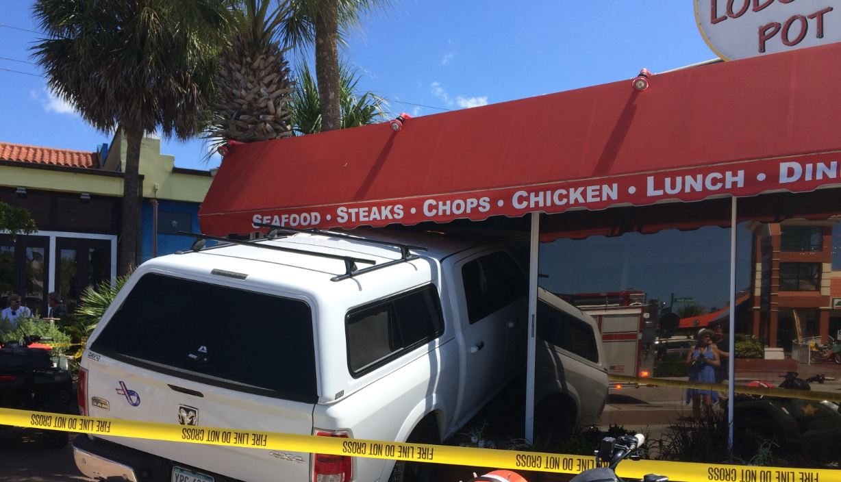 Truck crashes into Siesta Key restaurant