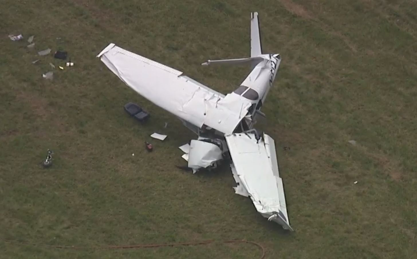 One dead when single-engine plane crashes