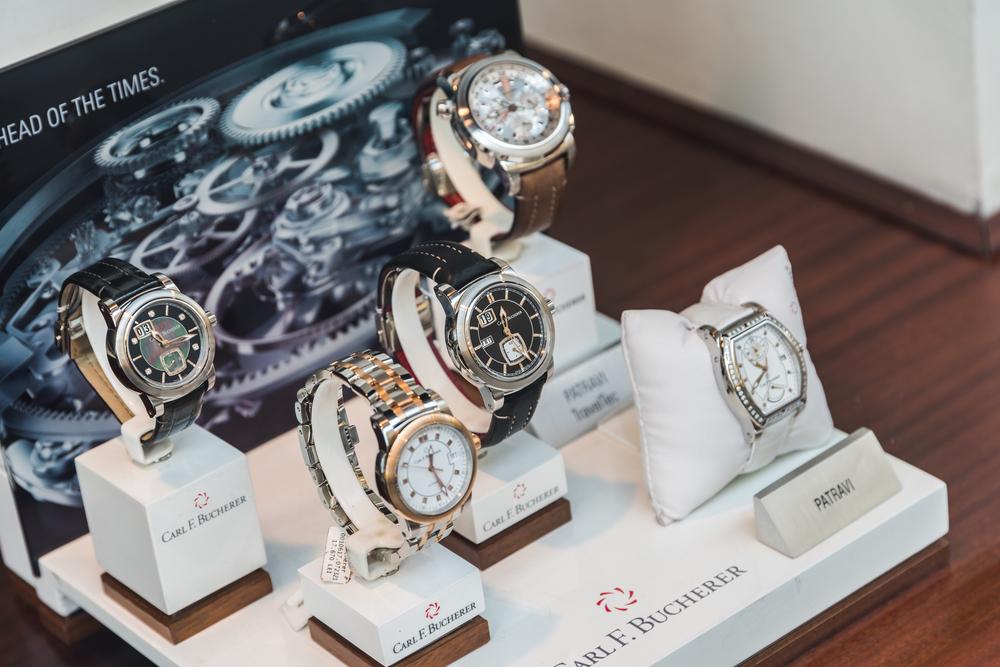 Luxury watches - CBS News