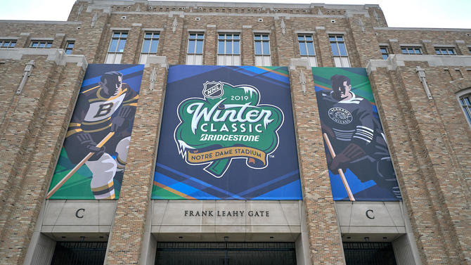 NHL Winter Classic  Blackhawks-Bruins at Notre Dame New Year s Day 20b2c299b
