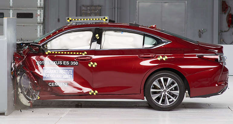 IIHS gives 30 vehicles top safety marks