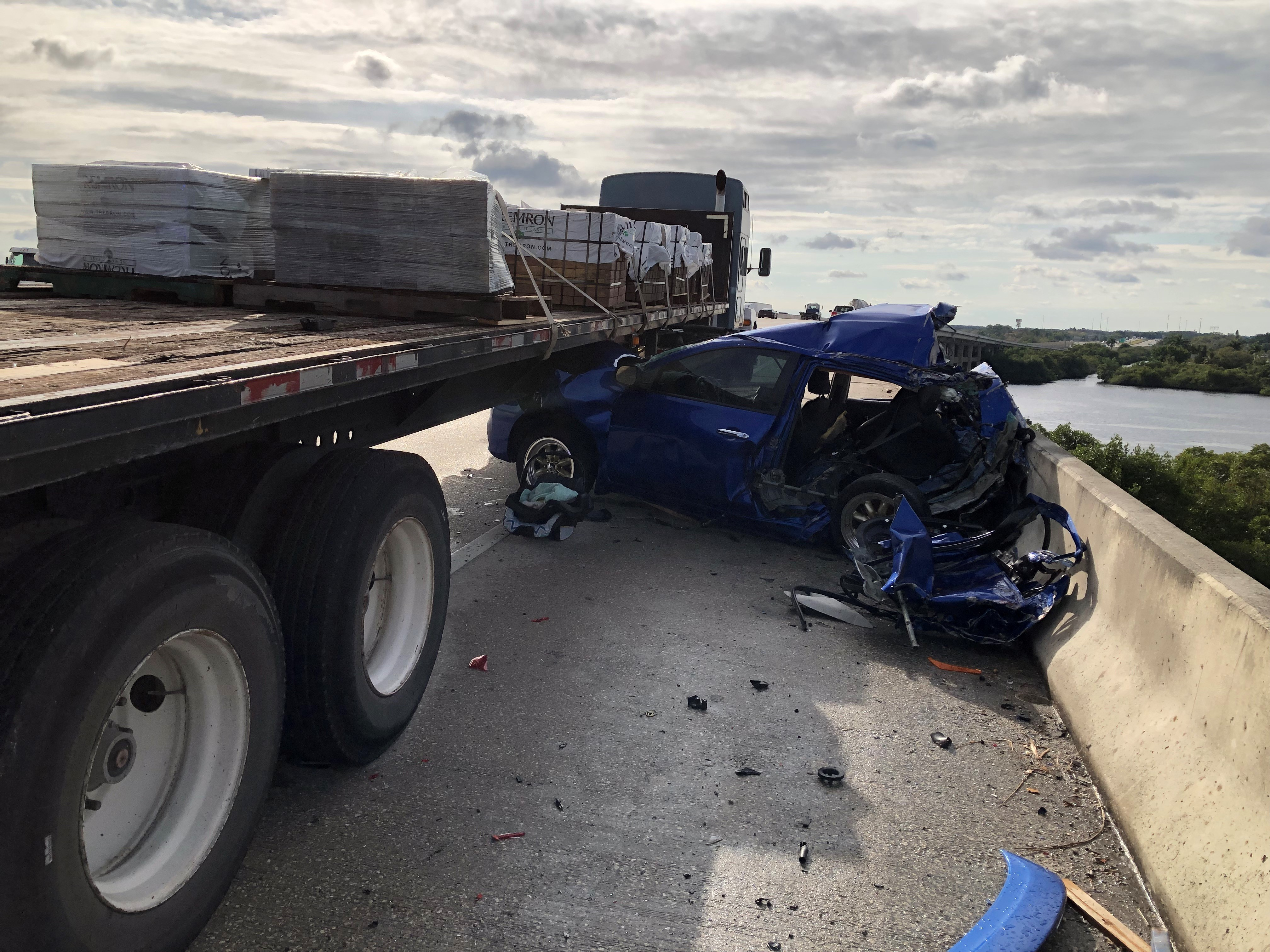 Crash on I-75 in North Fort Myers kills one, leaves infant in