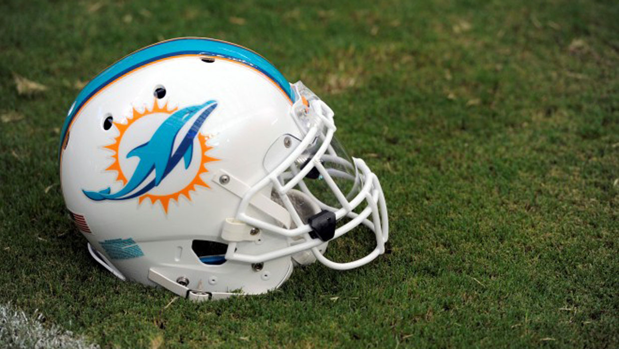 Former All Pro Dolphins Guard Bob Kuechenberg Dies At Age 71