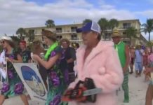 Polar Bear Plunge participants walk to the water. Photo via WINK News.