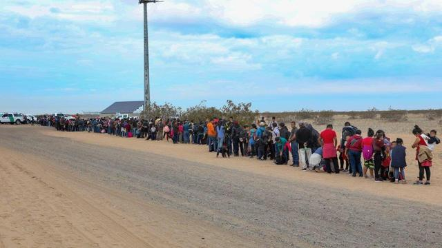 200 adults, 176 children arrested crossing border wall in Arizona