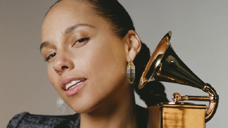 Alicia Keys hosts the 2019 Grammy Awards. (CBS photo)