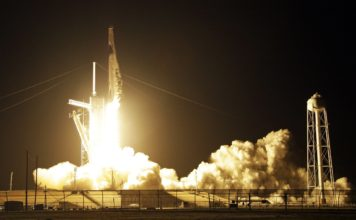 A SpaceX Falcon 9 rocket with a demo Crew Dragon spacecraft lifts off from pad 39A on an un-crewed test flight to the International Space Station at the Kennedy Space Center in Cape Canaveral, Fla., Saturday, March 2, 2019. (AP Photo/Terry Renna)