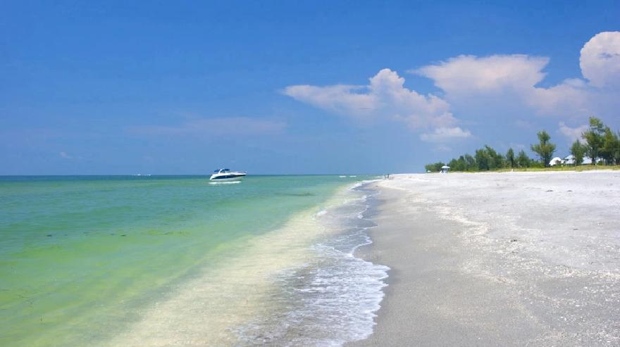 Sanibel Island beach front. (Credit: CBS)