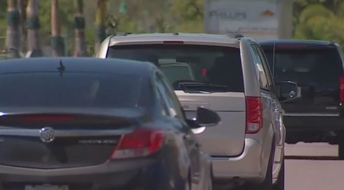Traffic on Cape Coral Parkway. (Credit: WINK News)