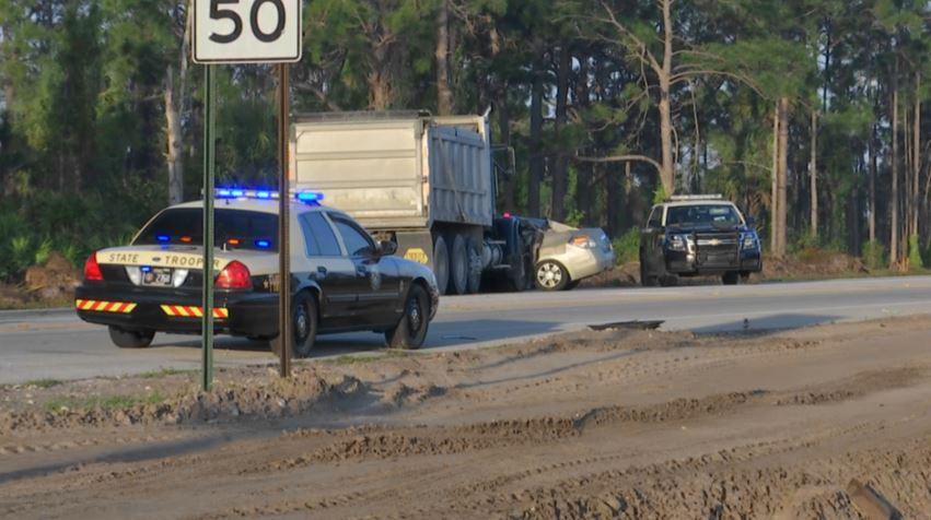 Deadly crash closes down SR 82 near Columbus Blvd Monday morning