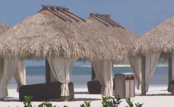 Marco Island beachfront. (Credit: WINK News)