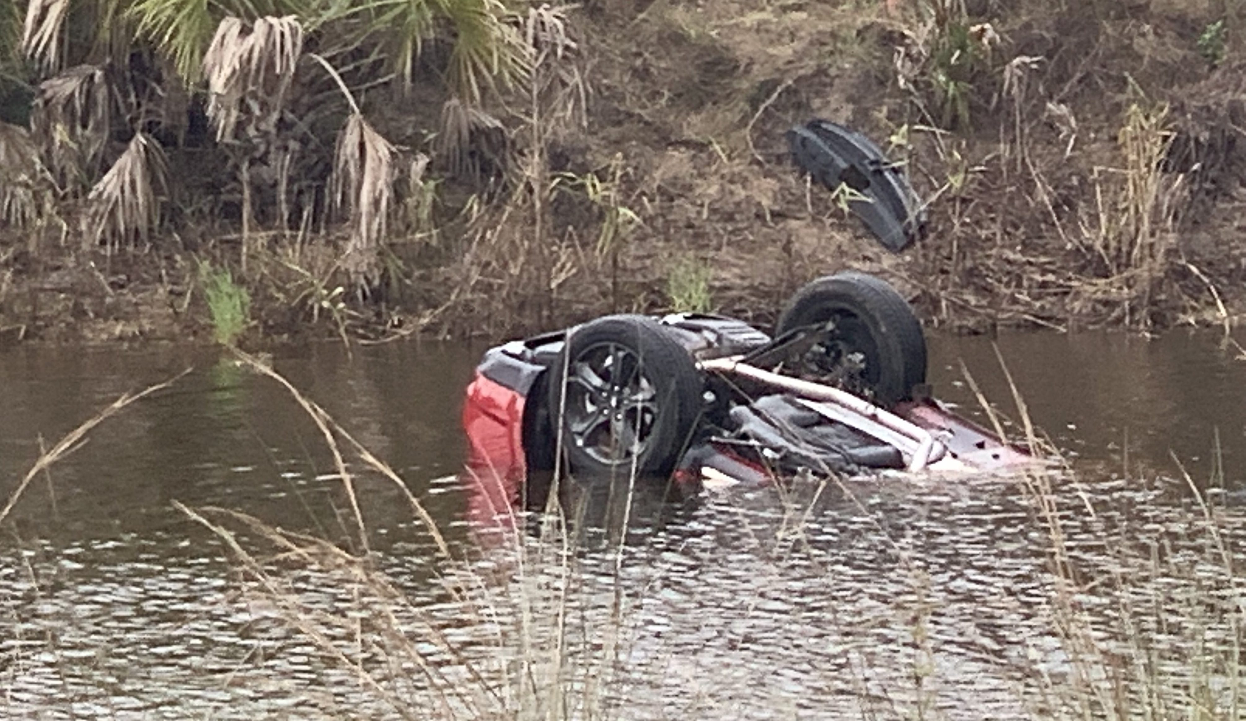 Car crashes into Collier County canal leaving one person dead