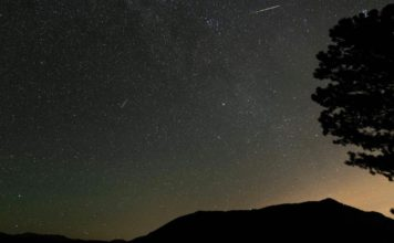 When and where to watch the Perseid meteor shower, which peaks tonight. (Credit: CBS News)