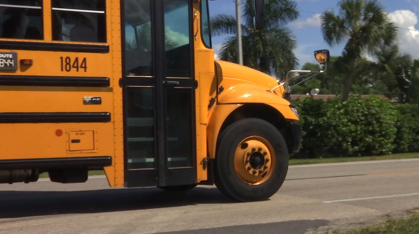 Charlotte County Fl School Calendar 2021-2022 Lee County school district postpones changes to class schedules