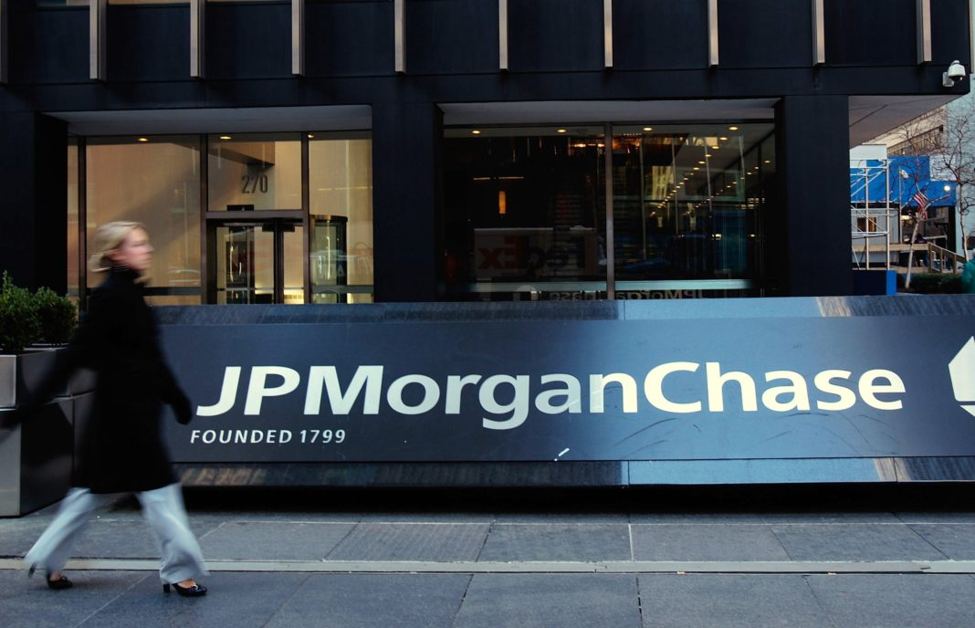 JPMorgan wants to give people with criminal records a second chance at a good job. (Credit: CNN)