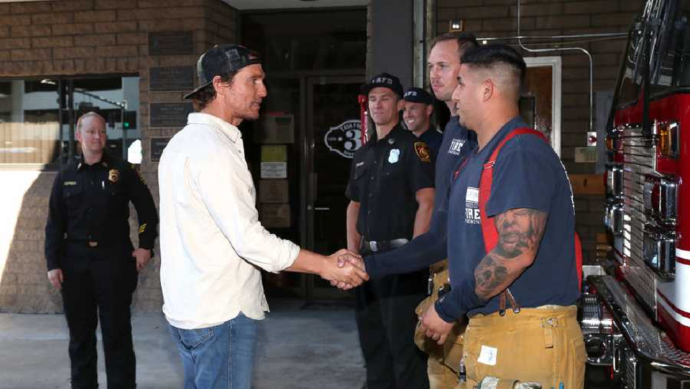 Matthew McConaughey and Operation BBQ Relief help on Nov. 1, 2019. (Credit: CNN via Getty Images)