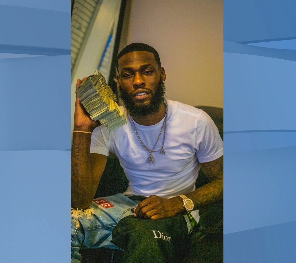 Arlando Henderson, 29, a bank employee in Charlotte, North Carolina, allegedly stole $88,000 from the bank's vault, according to a release from the United States Attorney's Office Western District of North Carolina. (Credit: Arlando Henderson/Facebook)
