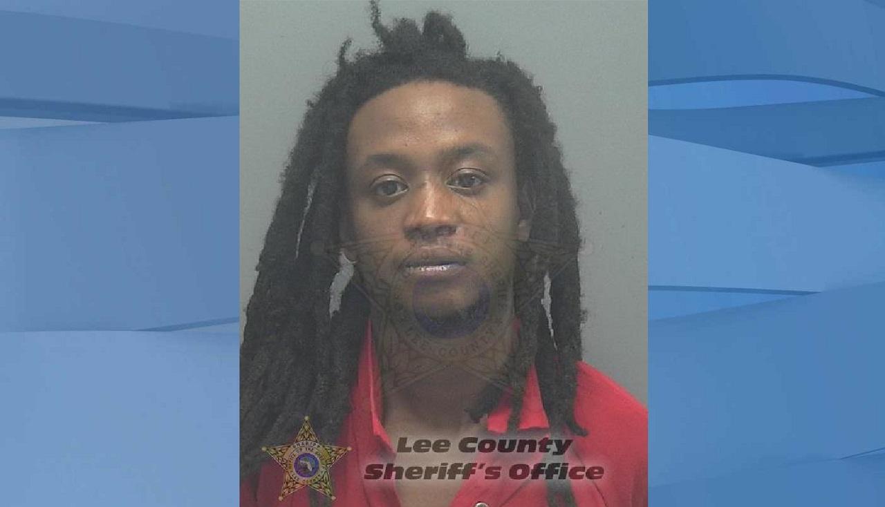 Mugshot of Daequan Titus Herring, 25. (Credit: Lee County Sheriff's Office)